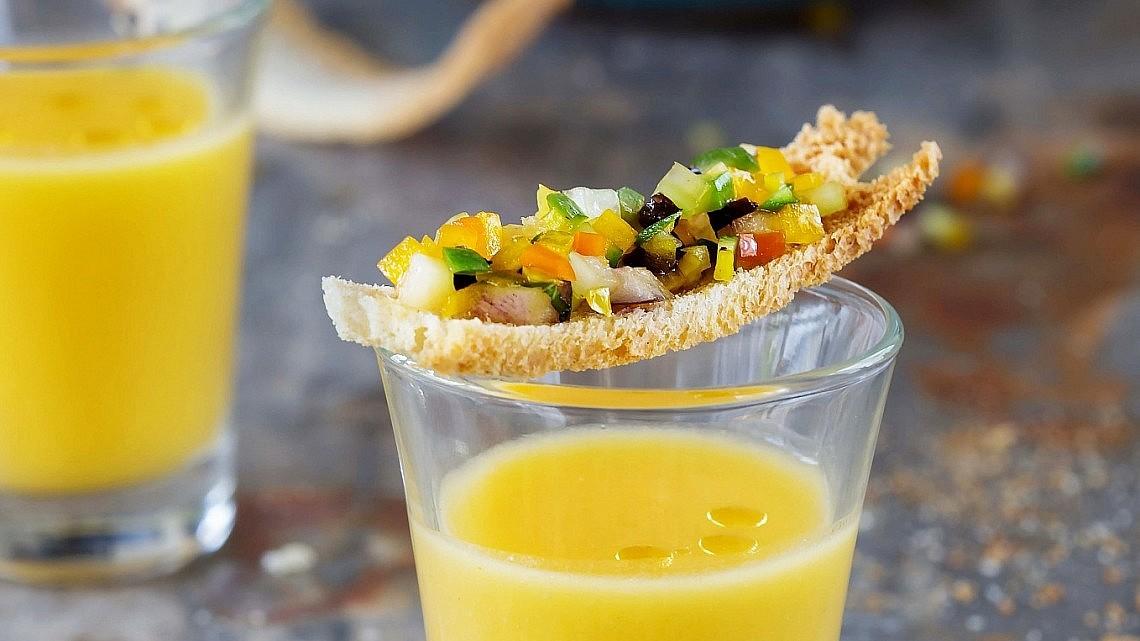 קרוסטיני עם ירקות טריים של סבינה ולדמן . צילום: שרית גופן . סגנון: ענת לבל