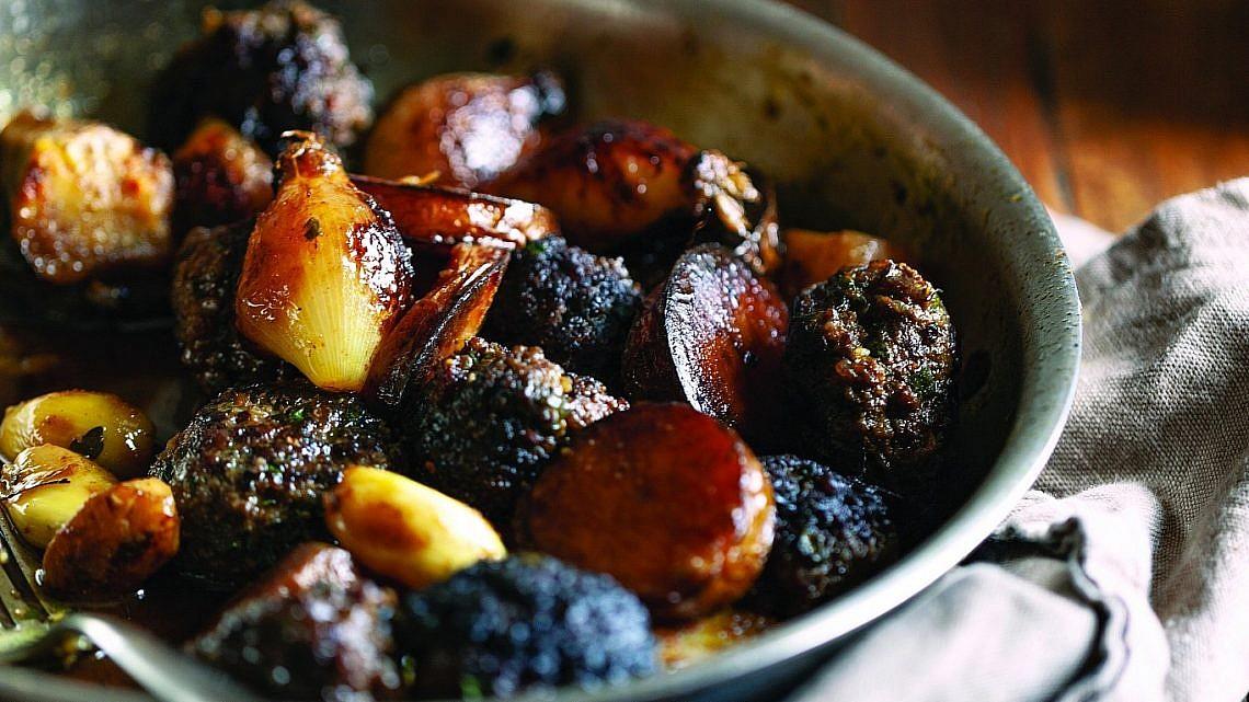 סופריטו קבב עם תפוחי אדמה וארטישוק ירושלמי של רותי רוסו. צילום: זוהר רון. סטיילינג: עמית פרבר