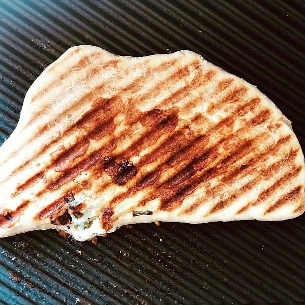 מאפה טורקי בטוסטר של אורלי פלאי ברונשטיין. צילום: אורלי פלאי ברונשטיין