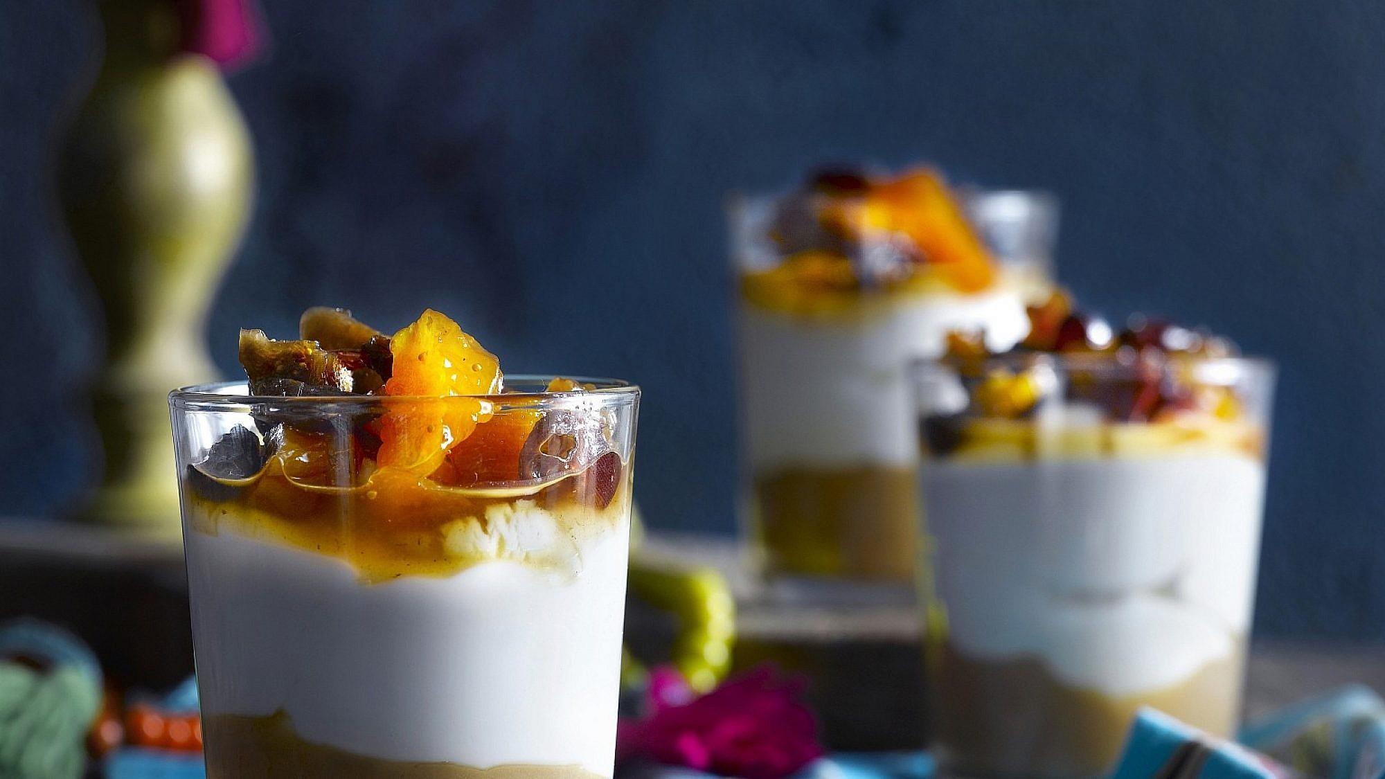מלבי קוקוס ופירות מיובשים של מולי מגריסו ואריק דרחני. צילום: רונן מנגן. סטיילינג: דלית רוסו