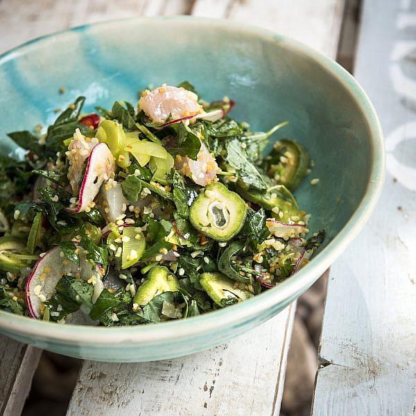 טאבולה מוסר ים ושקדים ירוקים של יחיאל זינו ואורי נבון. צילום: בן יוסטר. סטיילינג: דלית רוסו