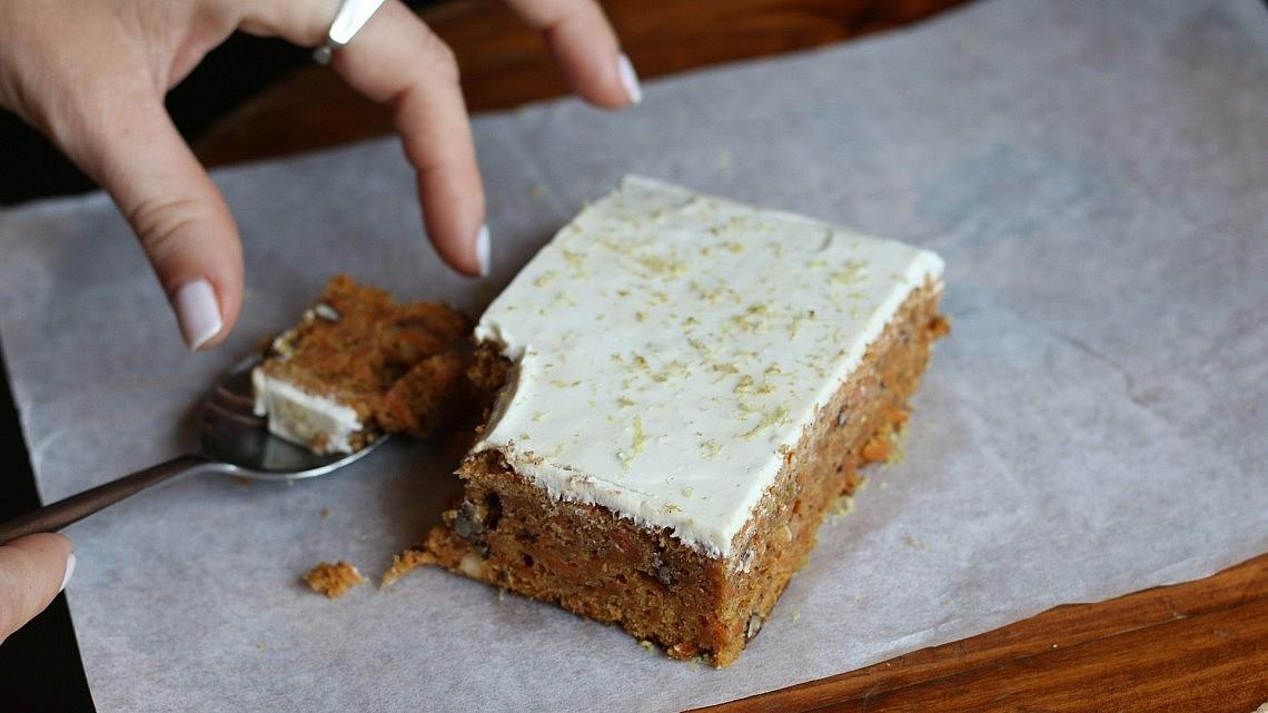 עוגת הגזר של אייל שני. צילום: מתן שופן