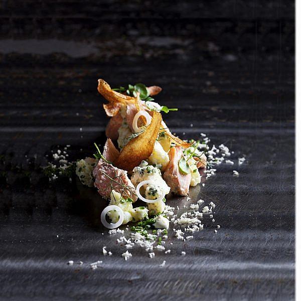 סלט תפוחי אדמה של שף מוטי טיטמן ושף אור מיכאלי. צילום: דניאל לילה
