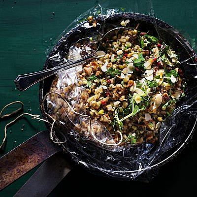 תבשיל דגנים אורגניים של אמיר כלפון. צילום: שרית גופן. סטיילינג: דלית רוסו