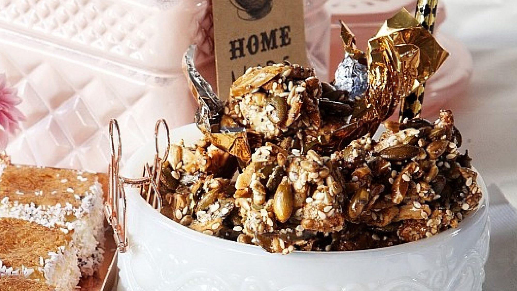עוגיות בריאות ללא קמח של מיכל מנדלסון. צילום: דניאל לילה. סגנון: דלית רוסו