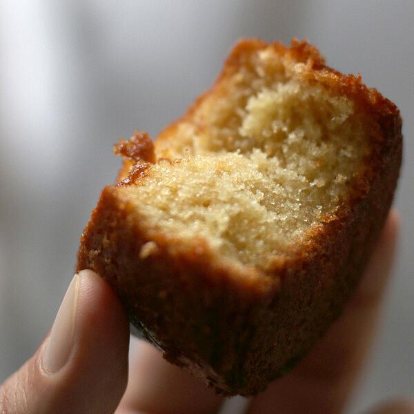 עוגת תפוזים ומי זהר של שף איתן צאהל. צילום: מתן שופן