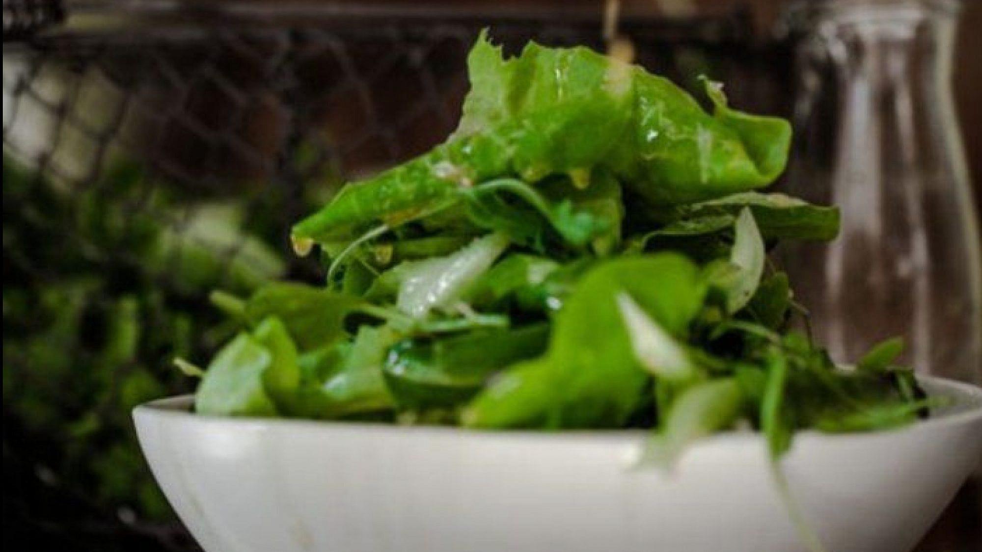 סלט ירוק עם ויניגרט של רותי רוסו. צילום: זוהר רון