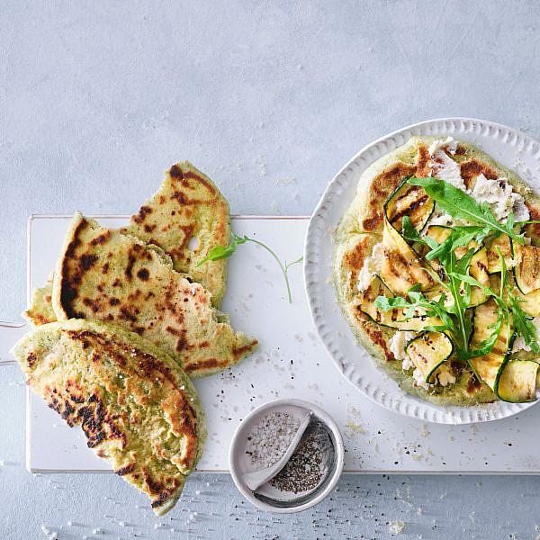 פיצה טורטייה ירוקה עם זוקיני של בת חן דיאמנט. צילום: אנטולי מיכאלו. סטיילינג: ענת לבל