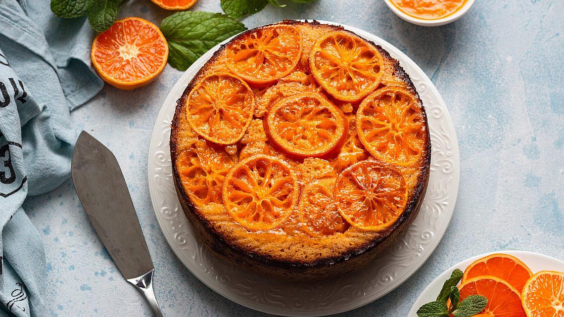 עוגת תפוזים ותבלינים הפוכה. צילום: shutterstock