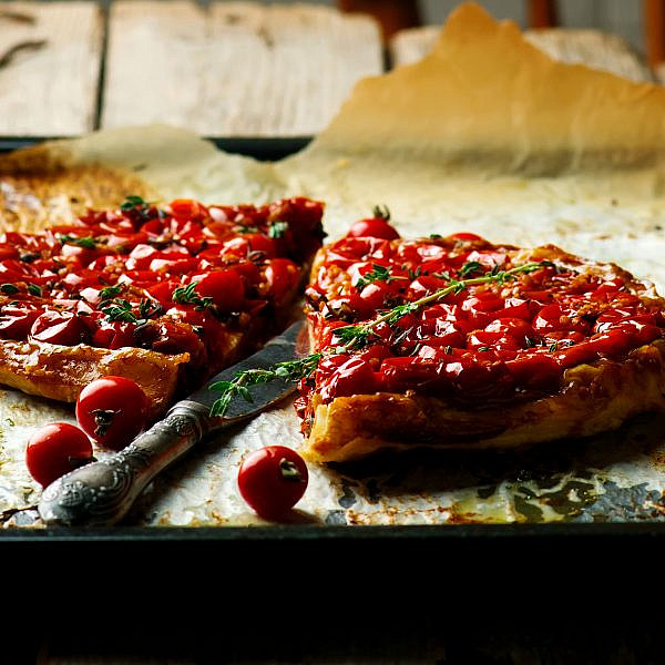 טארט עגבניות שרי וטימין הפוך. צילום: shutterstock