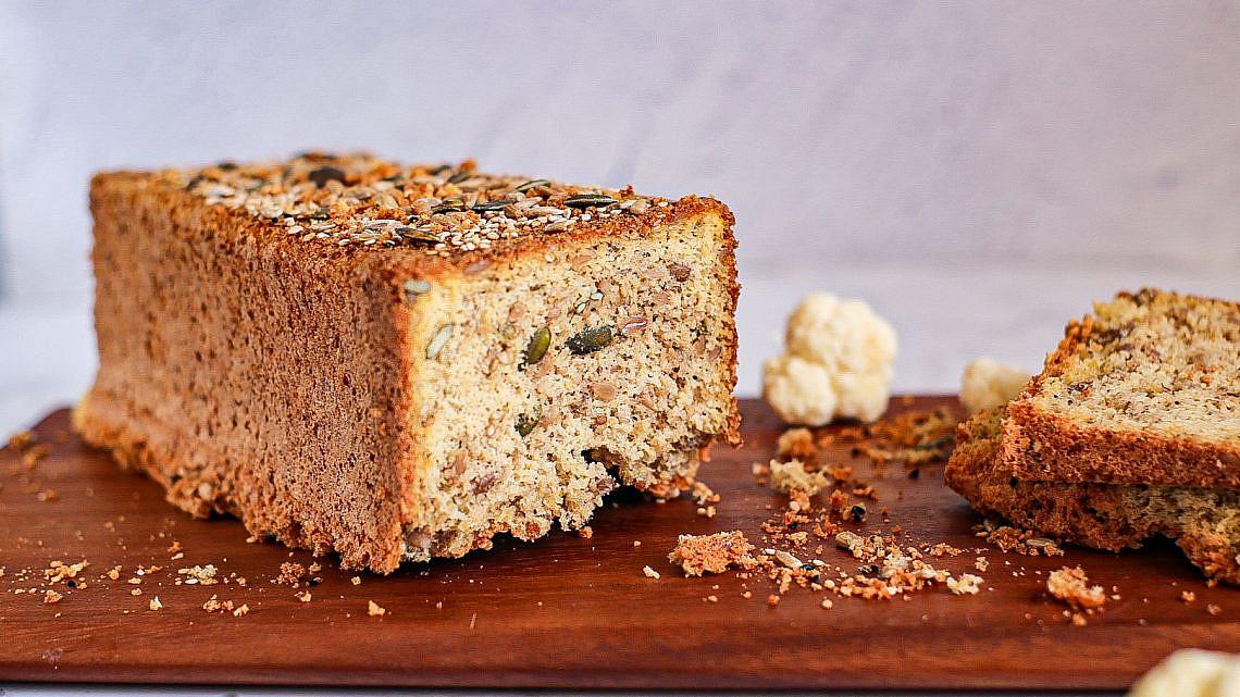 לחם כרובית בלי קמח. צילום: אפרת רענן