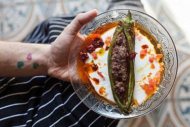 פלפל ירוק חריף ממולא בבשר טלה של פליקס רוזנטל. צילום: דניאל לילה