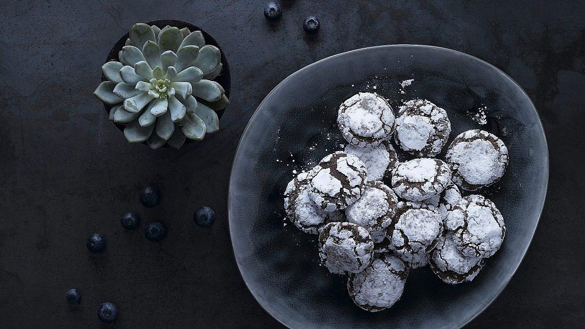 עוגיות שוקולד ודיז'סטיף של מיכל בוטון   צילום: רונן מנגן   סגנון: רותם ניר