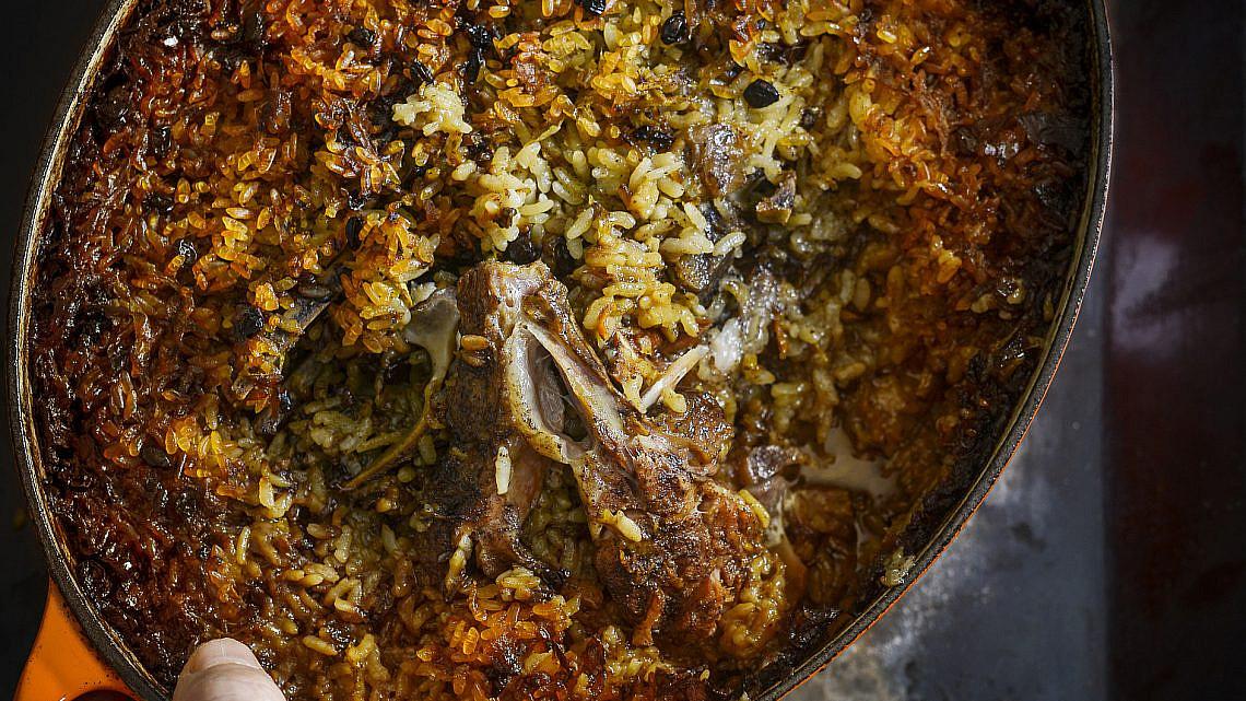 תבית צלעות כבש ואורז עגול של ארז קומרובסקי   צילום: בן יוסטר
