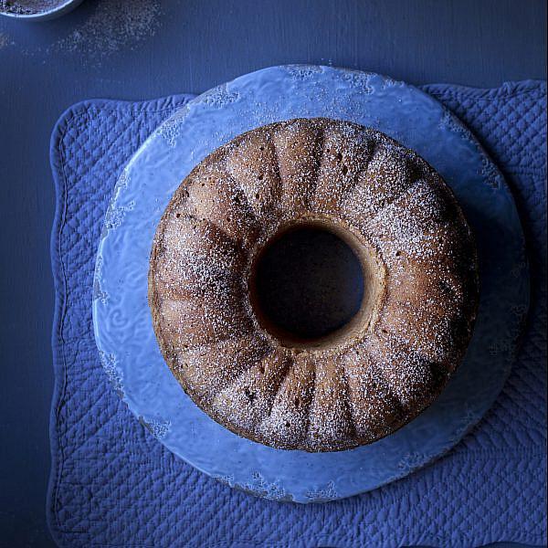 עוגת גזר וצימוקים עם טונקה של מיכל בוטון | צילום: דניאל לילה | סגנון: עמית פרבר