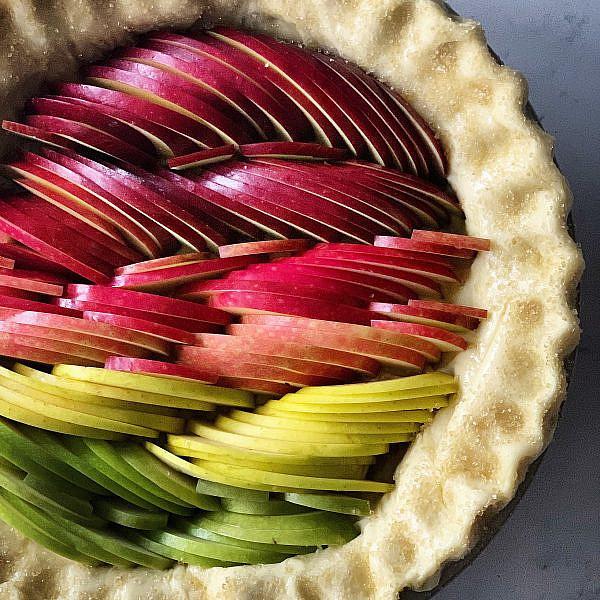 עוגת תפוחים אומברה של ליאור משיח. צילום ליאור משיח