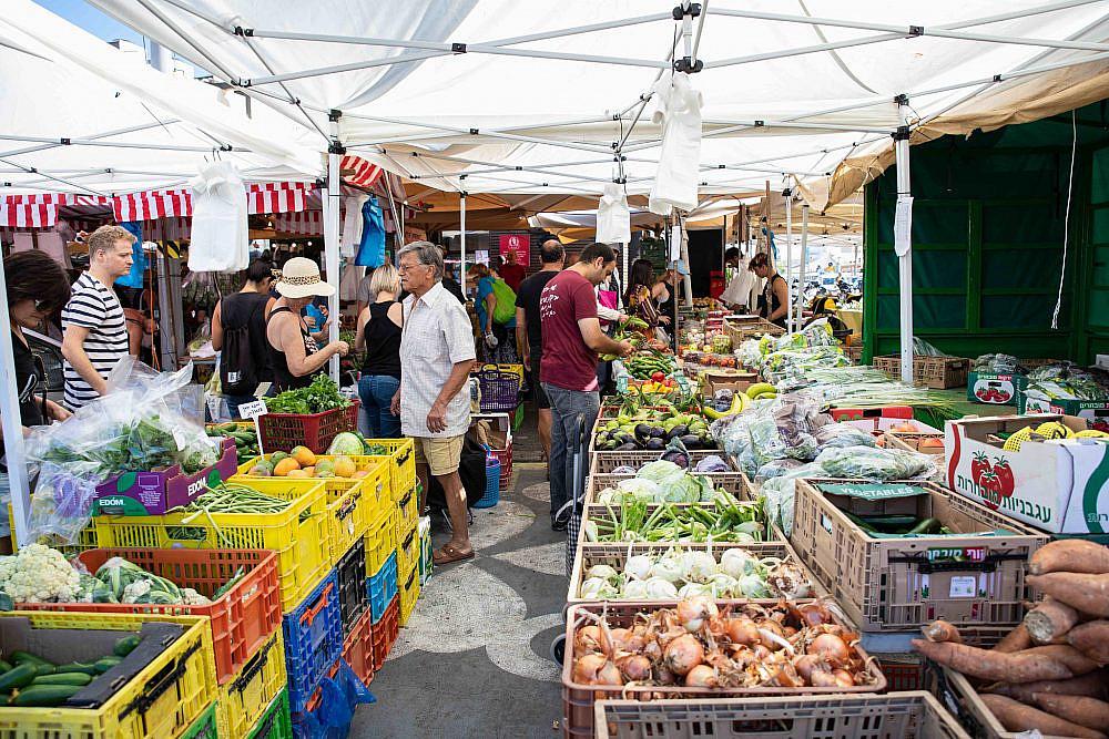 פלטפורמה לחקלאים שוק הנמל בתל אביב. צילום: שני בריל