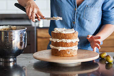 עוגת שכבות של מולי יהי. צילום: דניאל לילה