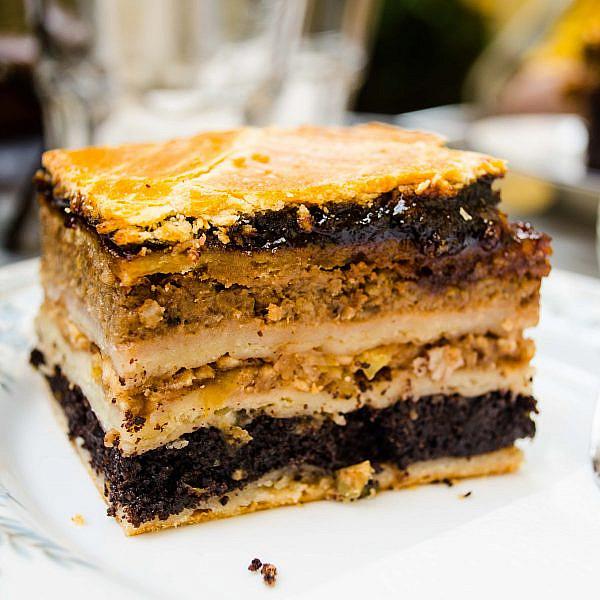 שכבות שמרים, פרג ושוקולד. צילום: shutterstock