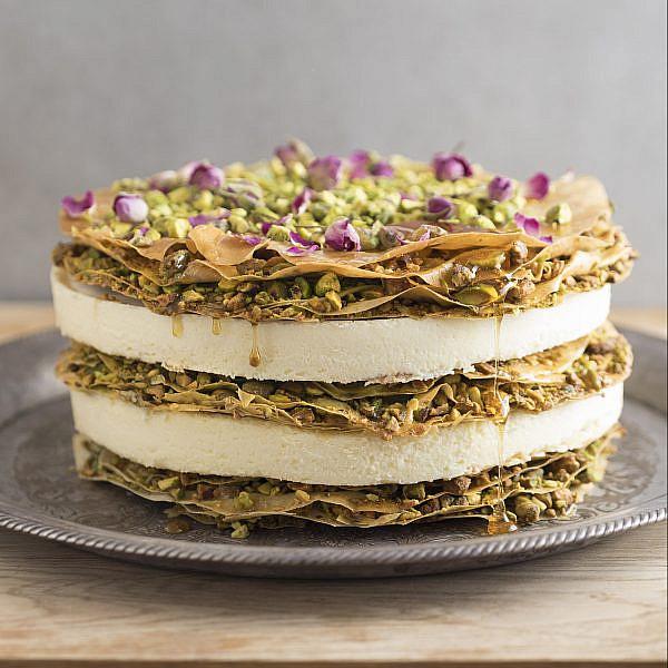עוגת גבינה בקלאווה של נוף עתאמנה אסמעיל ומיכל פינקלמן. צילום: דניאל לילה