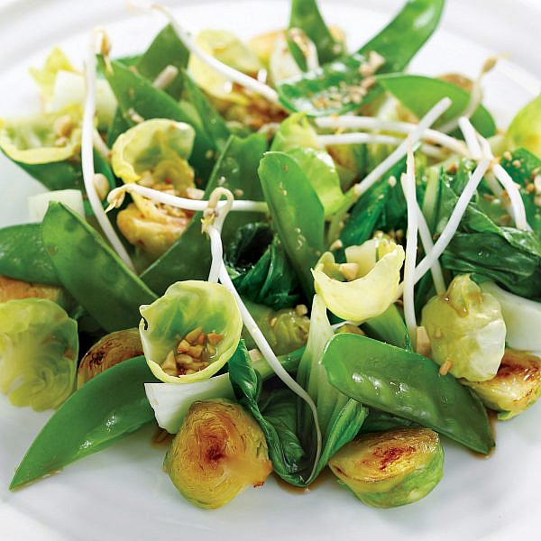 קדרת ירקות ירוקים של יוסי שטרית. צילום: דן פרץ. סטיילינג: עמית פרבר