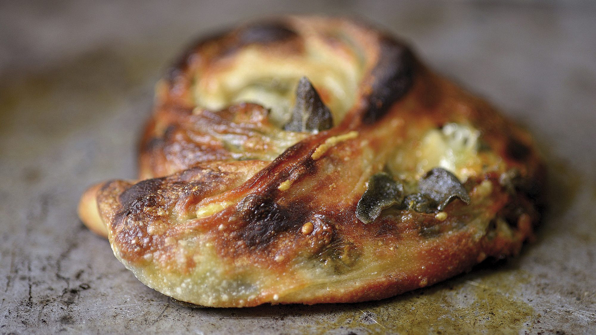 חלוז זעתר של שף ארז קומרובסקי. צילום: רן בירן