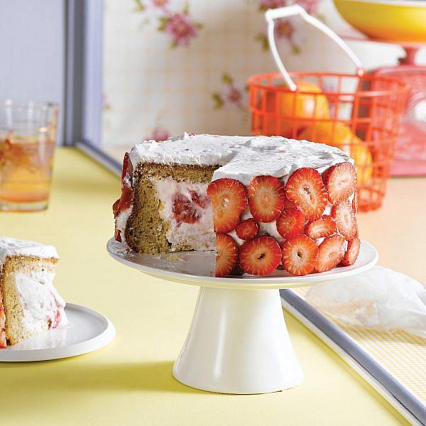 טורט תות - בננה ומסקרפונה של אורלי פלאי-ברונשטיין | צילום: רונן מנגן | סגנון: רותם ניר