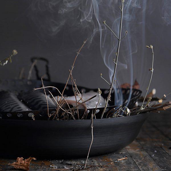 מקרל כבוש בטכניקה יפנית של יחיאל זינו. צילום: רונן מנגן. סטיילינג: עמית פרבר