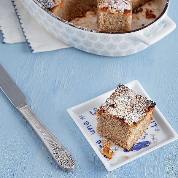 עוגת אפרת - עוגת שקדים, מייפל וקינמון של נטלי לוין, מתוך ספר הבישול