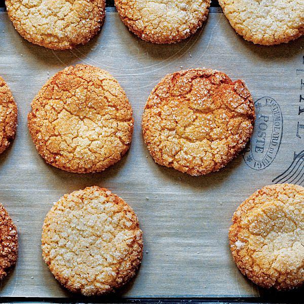עוגיות אמרטי של מיקי שמו. צילום: דניאל לילה. סטיילינג: עמית פרבר