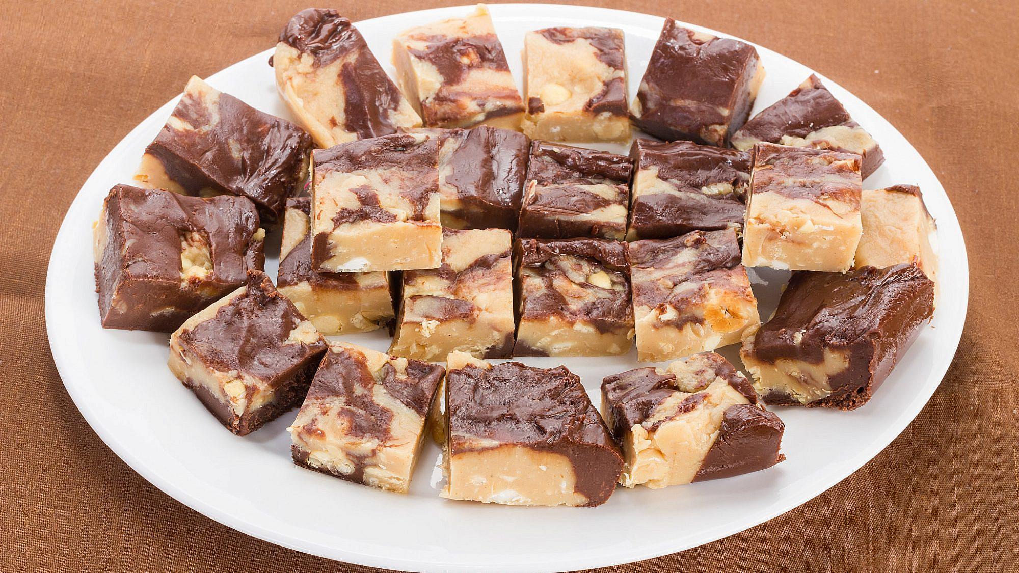 חיתוכיות שוקולד וחמאת בוטנים. צילום: shutterstock