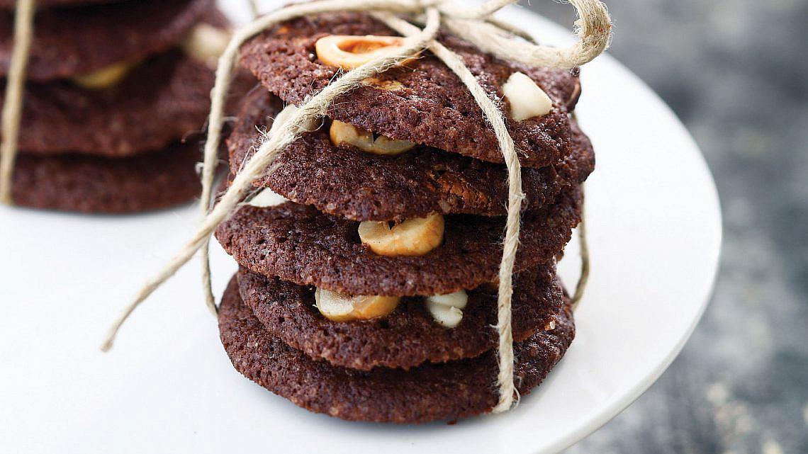עוגיות שוקו שוקו של מיכל מוזס. צילום: דן פרץ. סטיילינג: אוריה גבע