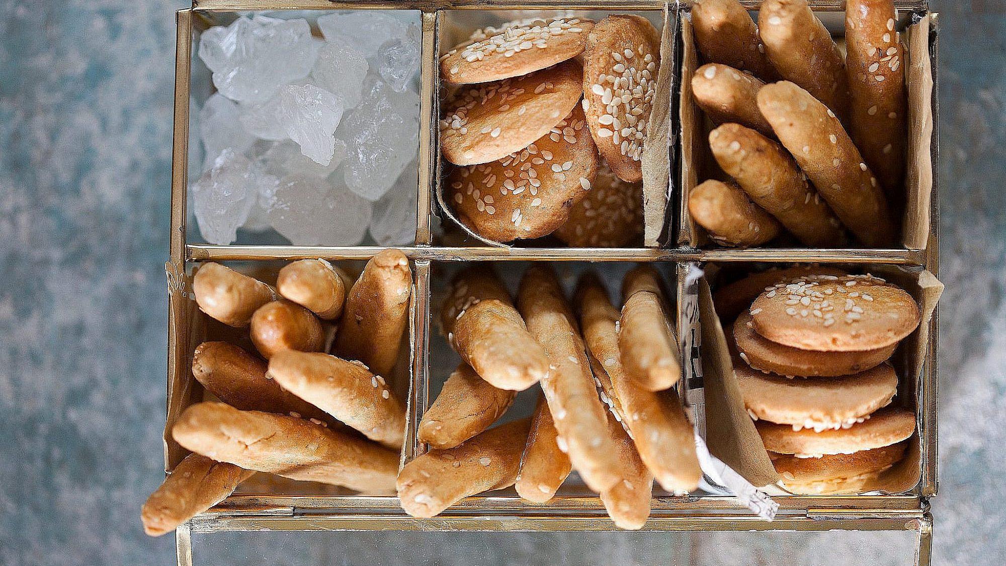 עוגיות מכונה של מיקי שמו. צילום: דניאל לילה; סטיילנג: עמית פרבר