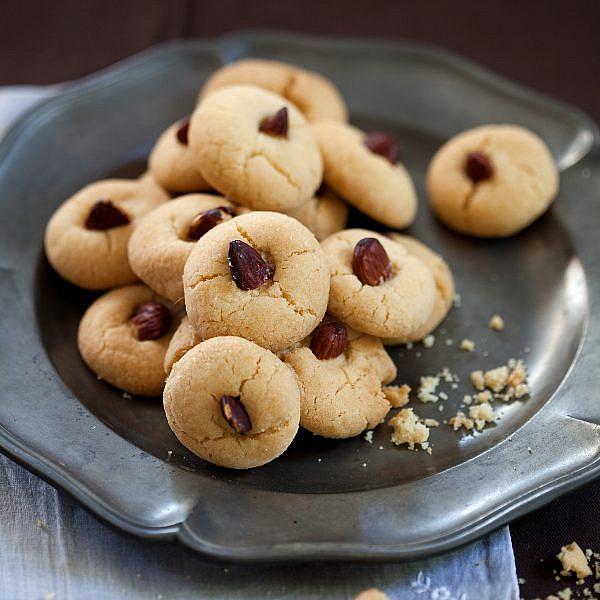 עוגיות ג'רייבה של מיקי שמו. צילום: דניאל לילה; סטיילינג: עמית פרבר