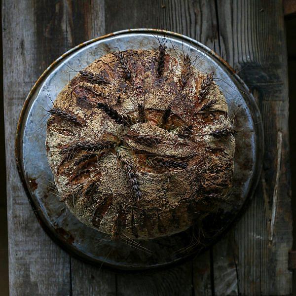 לחם פריקה של שף ארז קומרובסקי. צילום: מתן שופן