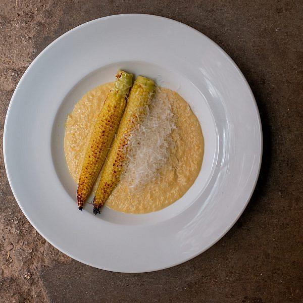 תירס בוסר בקרם תירס וחלב עיזים של איגרא במשק. צילום: מתן שופן