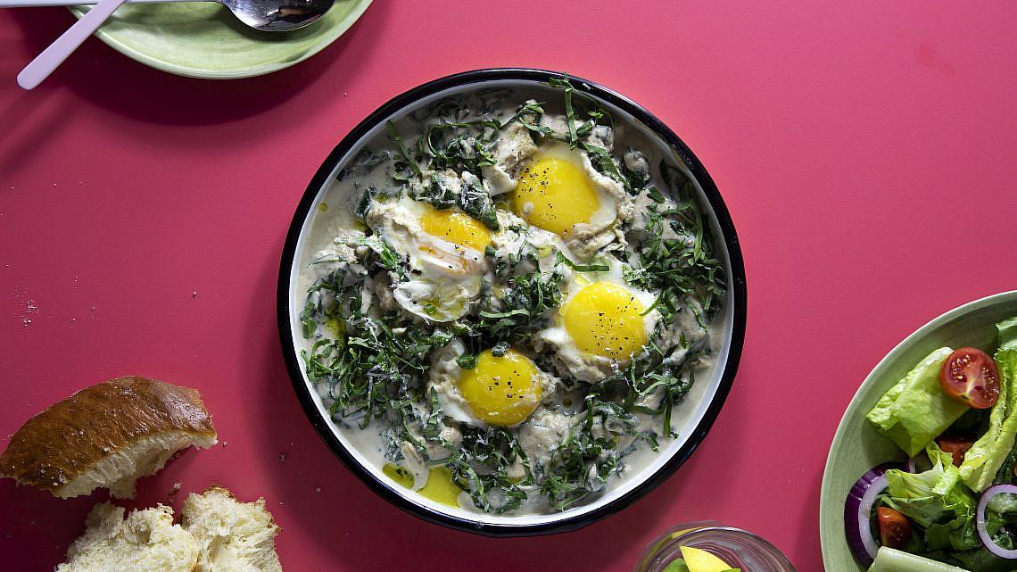 שקשוקה פטריות ותרד ב־ 10 דקות שף: יוגב ירוס צילום: דן לב, סטיילינג: גיא כהן