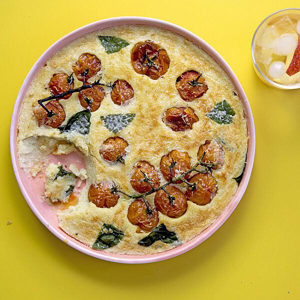 מאפה זריז של עגבניות שרי צלויות. שף: יוגב ירוס צילום: דן לב, סטיילינג: גיא כהן