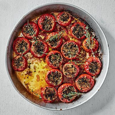 עגבניות ממולאות של רותם ליברזון. צילום: אמיר מנחם