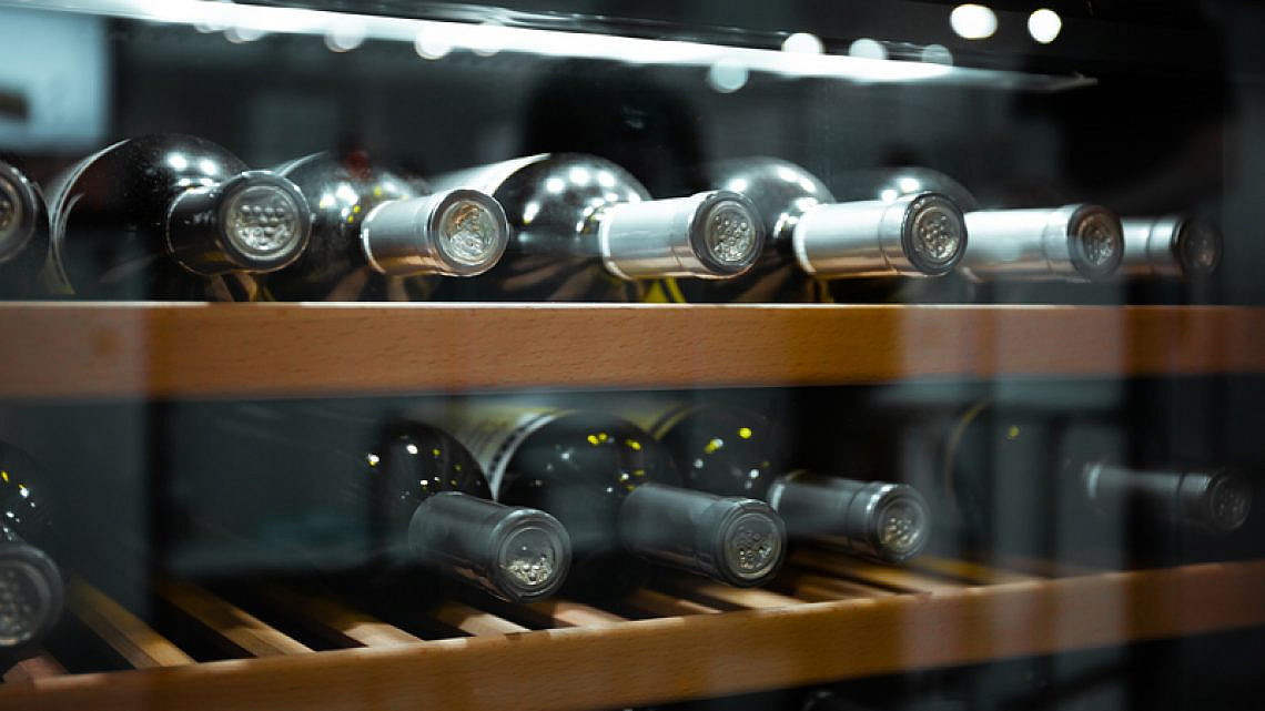 """מקרר יינות. צילום: יח""""צ ווינבר מקררי יין"""