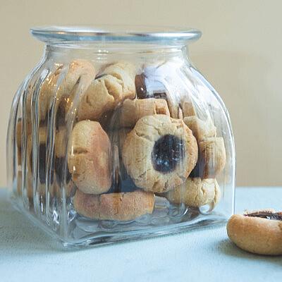 עוגיות ריבה אצבע של רינת צדוק. צילום: שני בריל, סטיילינג: דרור גולן