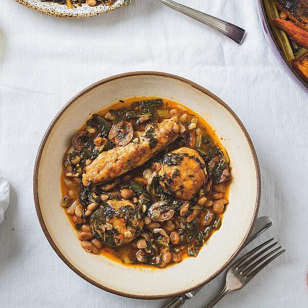 תבשיל מנגולד וקציצות דג של רינת צדוק. צילום: שני בריל.