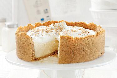עוגת מסקרפונה אפויה עם פעמיים אגוזים של חן שוקרון. צילום: דניה ויינר סטיילינג: דיאנה לינדר