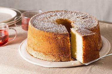 עוגת לייקח לימון של קרן אגם. צילום: דניאל שכטר. סטיילינג: גיא כהן.
