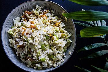 סלט כרובית, משמש מיובש וסלרי של FEED. צילום: מאיי תדהר