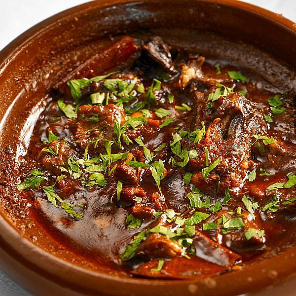 תבשיל זנב שור של שף אברהם בן מויאל, יקוטה  (צילום: דור קדמי)