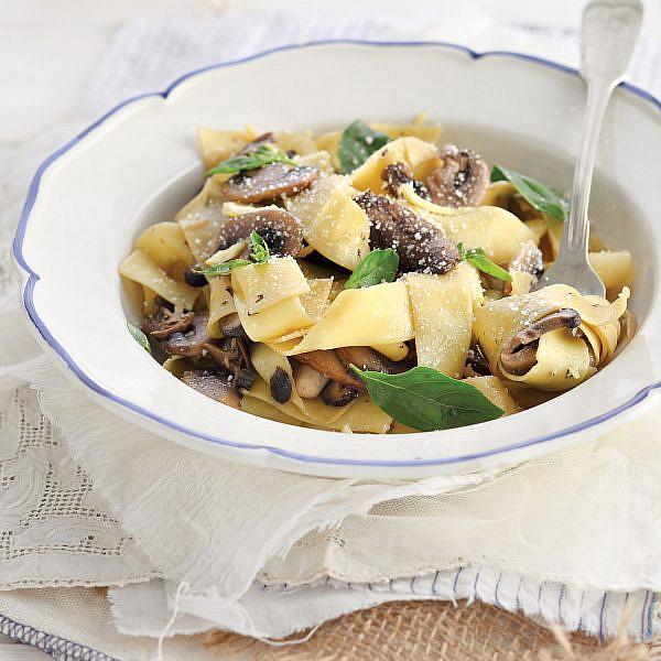 פפרדלה עם שמן זית ופטריות של אורלי פלאי-ברונשטיין | צילום: דן פרץ | סגנון: אוריה גבע