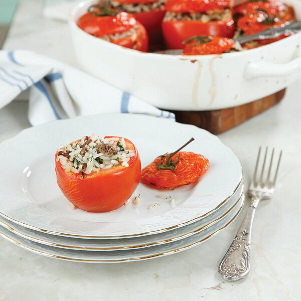 עגבניות ממולאות באורז ובשר של לידור ברזיק-פרידלנד | צילום: דניה ויינר | סגנון: אוריה גבע