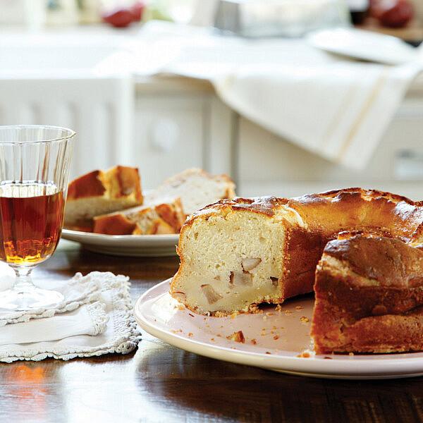 עוגת ריקוטה ואגסים במרסלה של לידור ברזיק-פרידלנד | צילום: דניה ויינר | סגנון: אוריה גבע