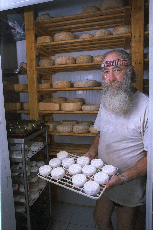 """גבינות שמבטאות את נשמתו ואת הארץ הגבן שי זלצר ז""""ל (צילום: אבי אוחיון, לע""""מ)"""